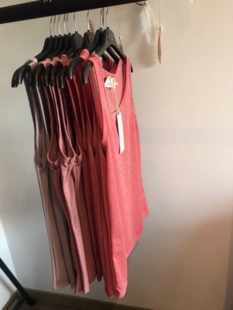 Coral Roos Lila Topjes